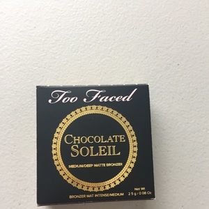 Too Faced Makeup - Too Faced medium/deep matte bronzer